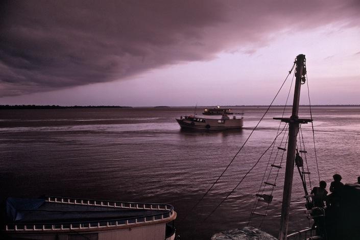Barco entrando na chuva, 1988
