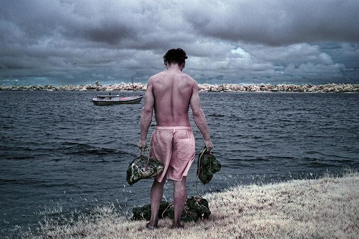 Pescador e pedras, 2018
