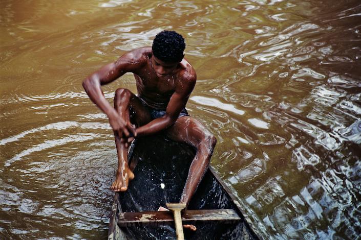 Banho na canoa, 1999