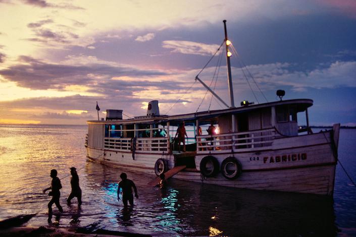 Barco no Tapajós, 1982